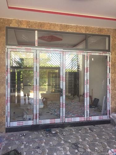 Công trình thực tế - Cửa đi xingfa 4 cánh - HKH Window