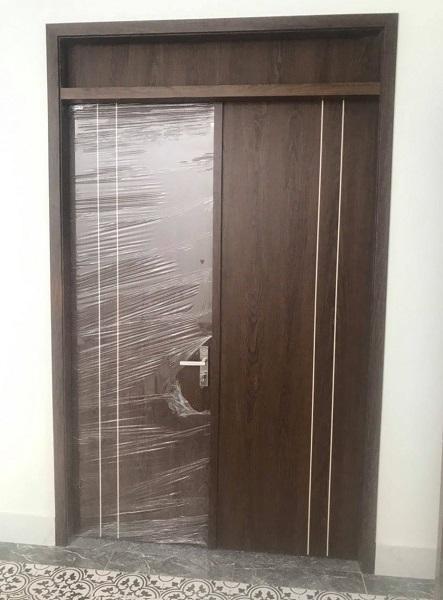 cửa gỗ huge chống nước tại đà nẵng