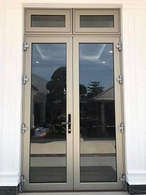 cửa nhôm màu vàng sâm panh yongxing tại Đà Nẵng